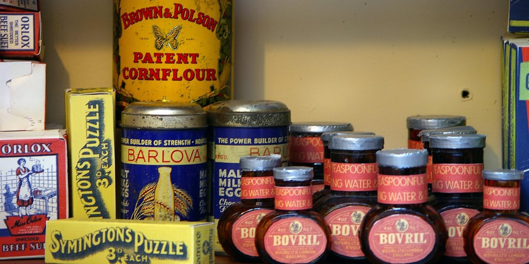 A shelf full of 1950s condiments