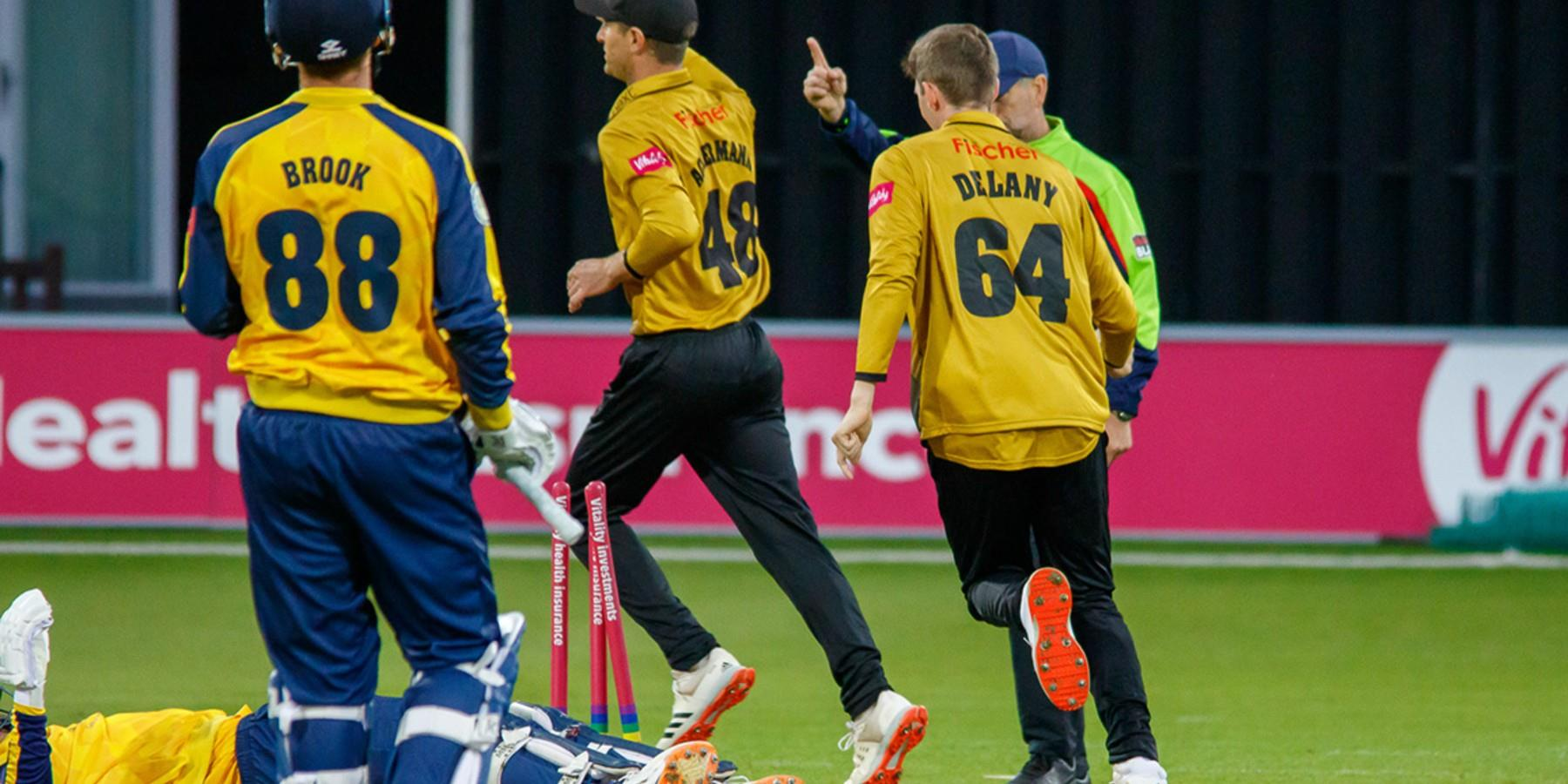 Leicestershire Foxes v Northamptonshire Steelbacks