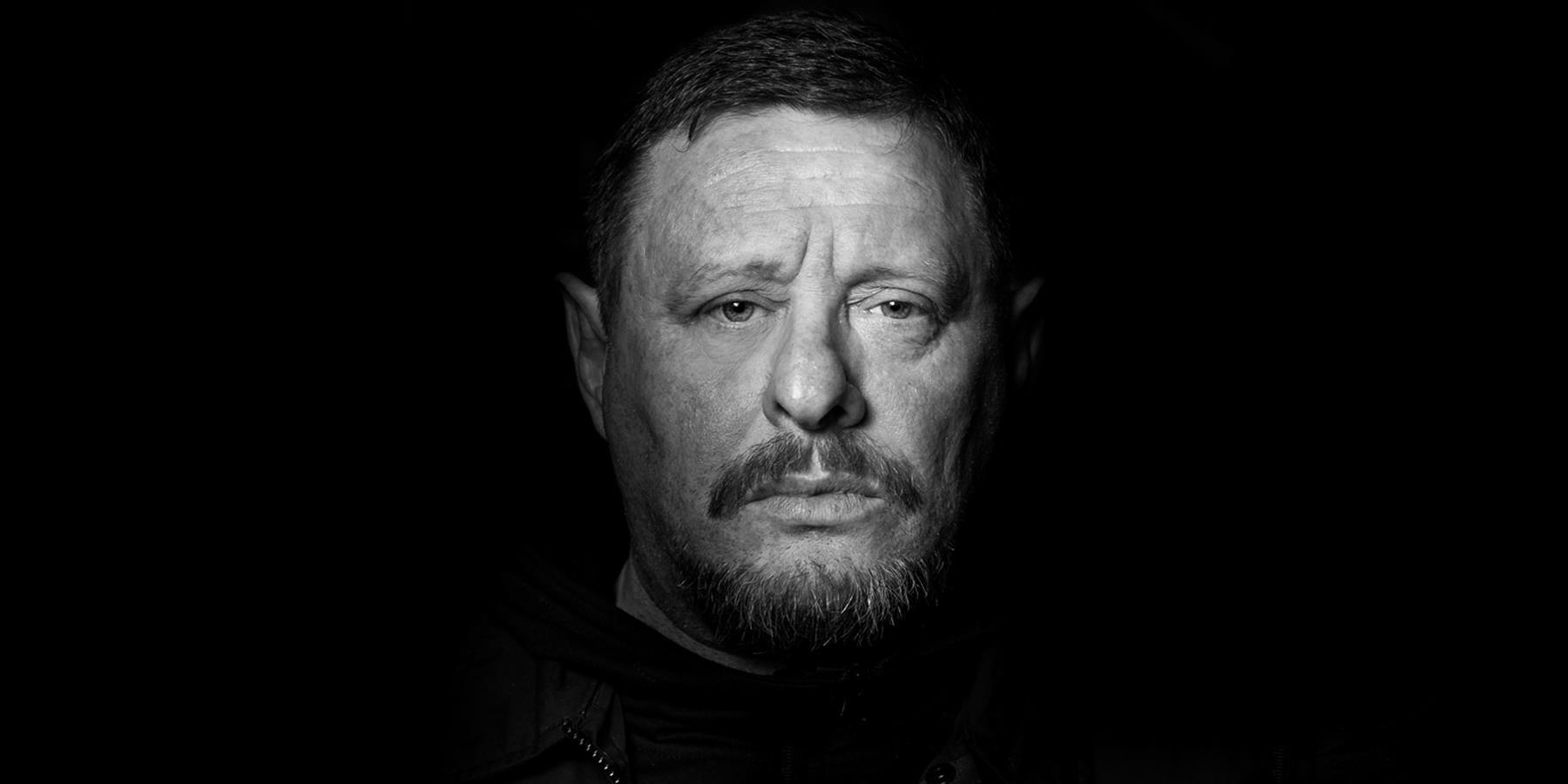 Shaun Ryder black and white pic