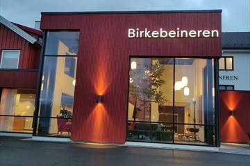 The entrance at Birkebeineren Hotel