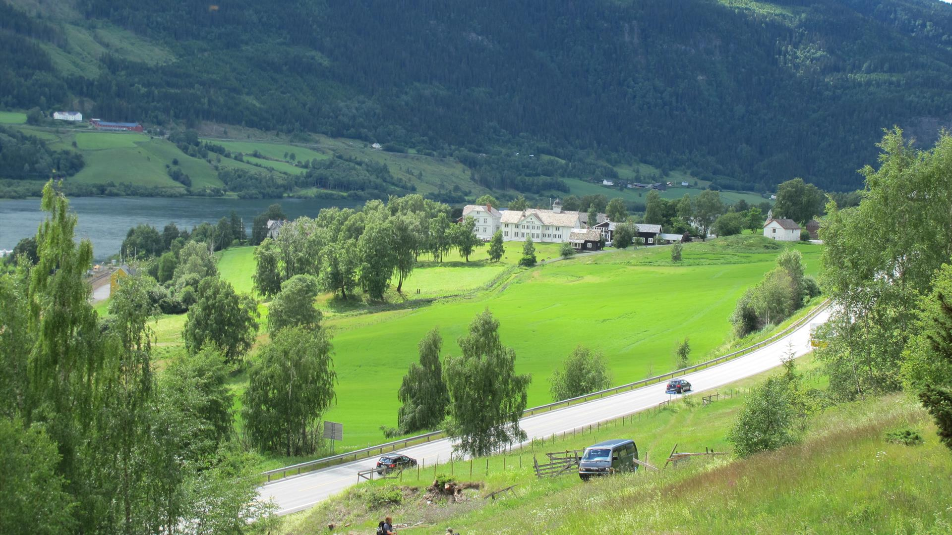View towards Dale-Gudbrands Gard