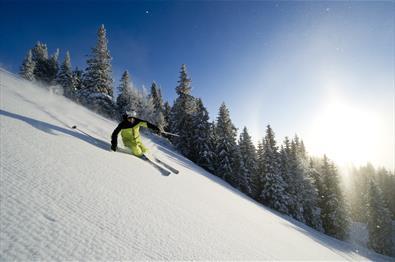 Downhill skiing in Kvitfjell