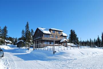 Large cabin at Nordseter, winter
