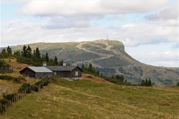 Vandring på Skeikampen i flott natur. 35 minutter fra Lillehammer.