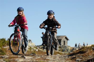 Sykkeltur i flott terreng på Skeikampen. 35 minutter fra Lillehammer. Copyright:Esben Haakenstad - Skeikampen Resort