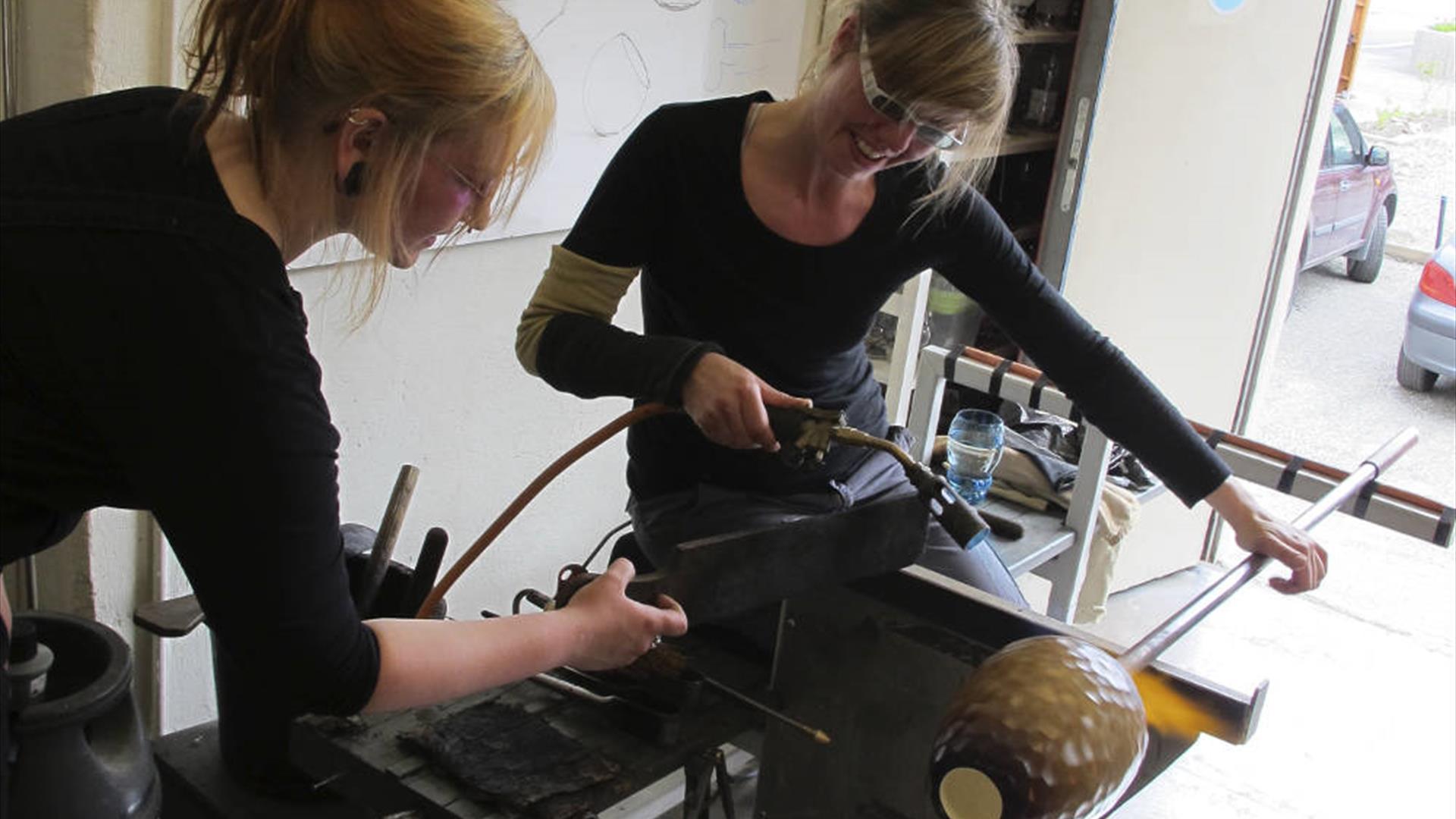 Glassblåsing hos Hett Glass