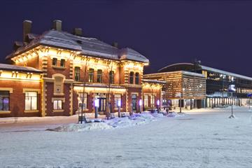 Lillehammer trainstation where the tourist office is, winter