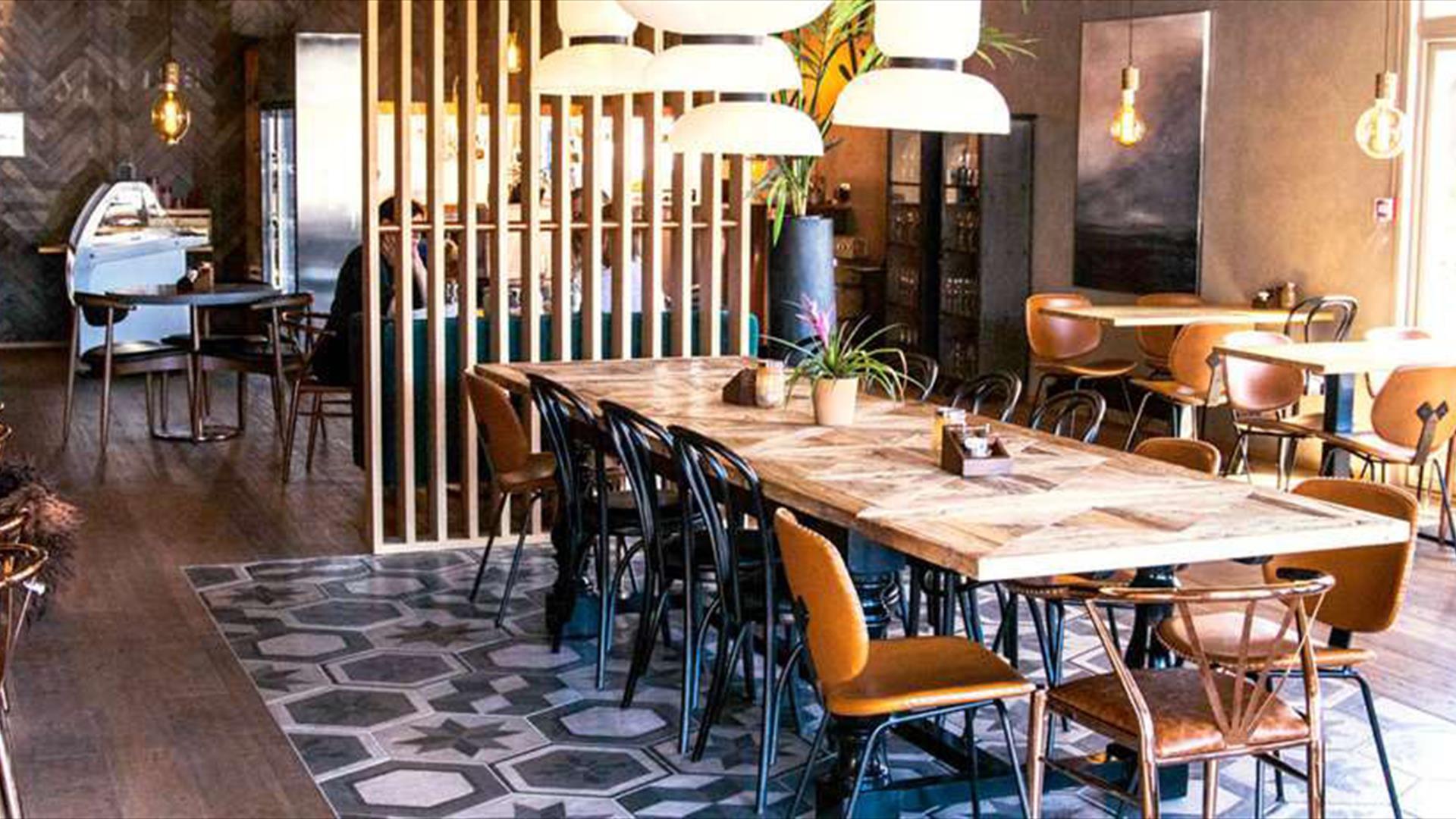 The restaurant - Annis