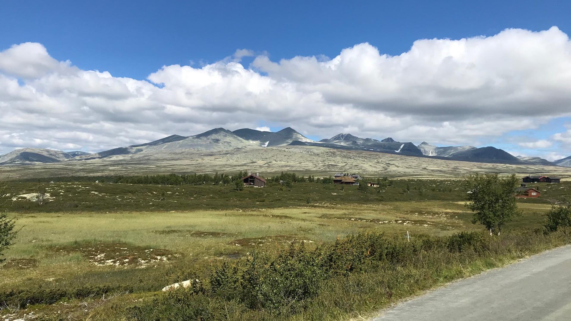 Hytter i vakkert landskap i Rondane