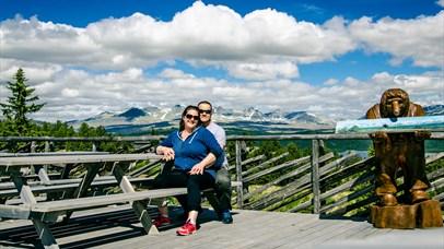 The terrace at Rondablikk Peer Gynt statue