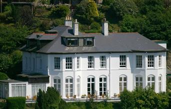 Commonwood Manor - exterior