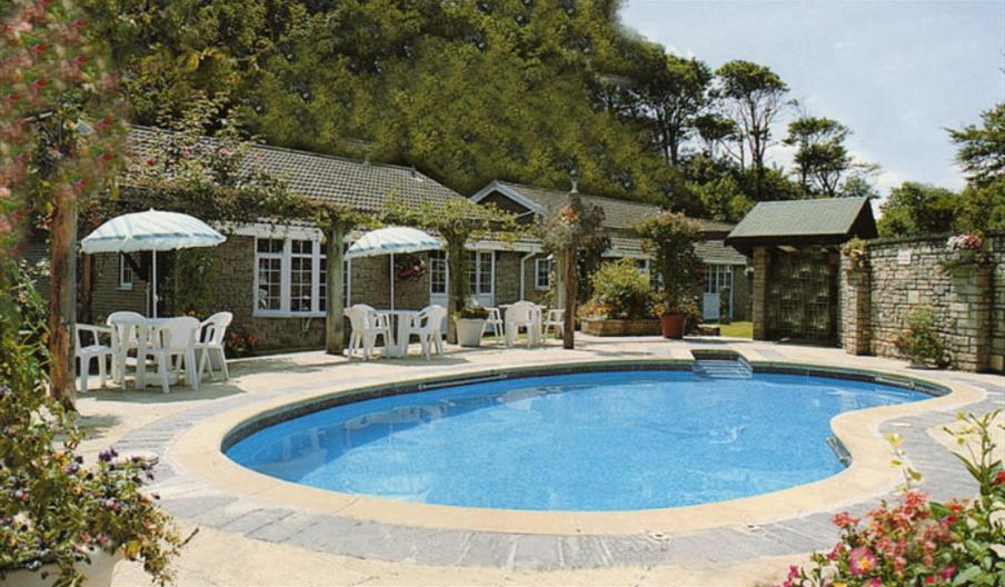 Granite Henge - shared pool