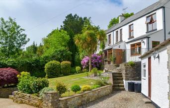 Hillview Cottage - exterior