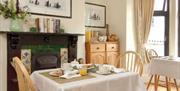 Meneglaze Guest House - breakfast area