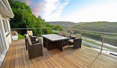 Redcliffe - balcony