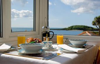 Seaview B&B - Breakfast with a View