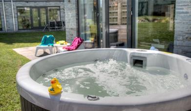 The Bay Talland - Hot tub