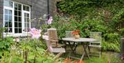 Tregarland Farm - Outdoor Picnic Table