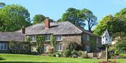 Trenant Park Cottages exterior