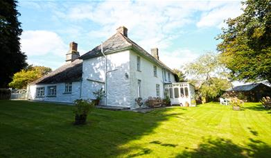 Trendaway Farm - A Classic Cornish Farmhouse