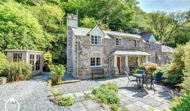 Alice's Cottage - exterior