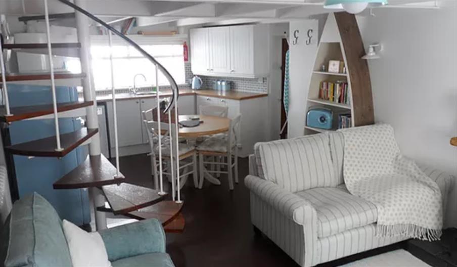Clara's Cottage - Living Area