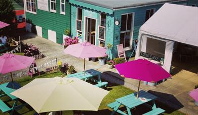 Island View Café - exterior