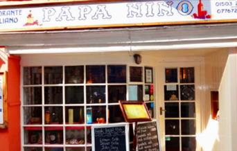 Papa Ninos - restaurant front