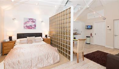Waterside Apartment - Open Plan Living
