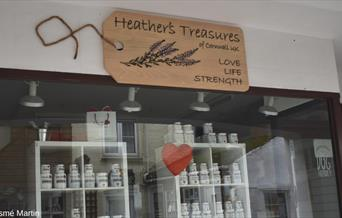 Heather's Treasures shopfront