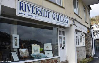 Riverside Gallery shopfront