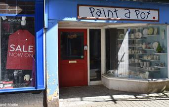 Paint a Pot - shopfront