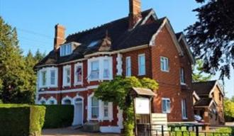 Anand Motel in Tunbridge Wells, accommodation in the heart of Kent