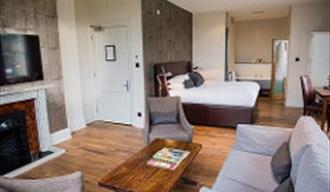 Hotel du Vin suite in Royal Tunbridge Wells