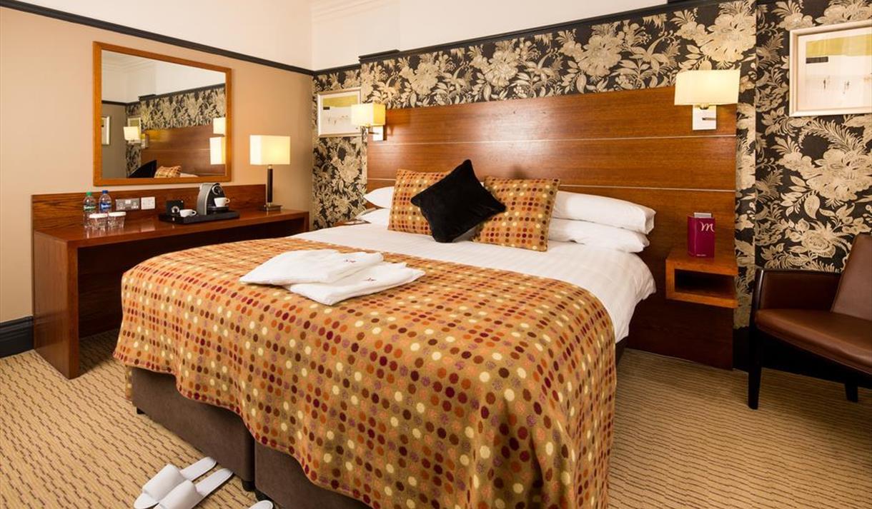 Bedroom at Mercure Great Danes