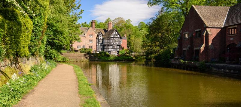 Country walks plus top pubs in Greater Manchester