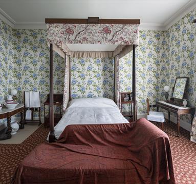Elizabeth Gaskell's House, Bedroom