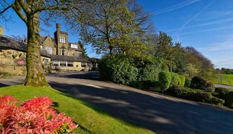 Mercure Norton Grange Hotel & Spa entrance