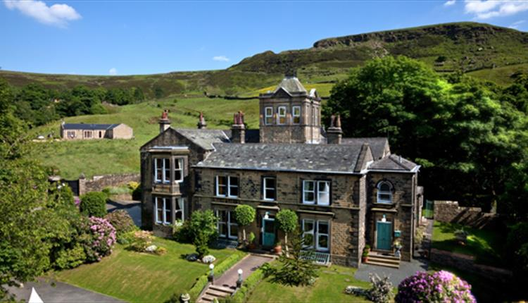 Crow Hill Cottages & Country House Estate