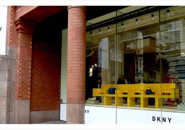 The front of the DKNY store.