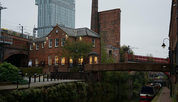Saul Hay Gallery in Manchester