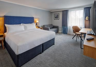 DoubleTree by Hilton Manchester Airport guest room