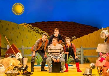 Theatre stage: What the Ladybird Heard