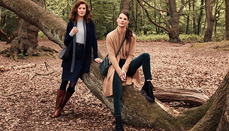 Two models wearing Hobbs