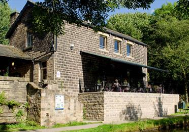 Image of the Brownhill Visitors Centre cafe