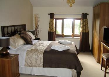 Loe Lodge Bedroom