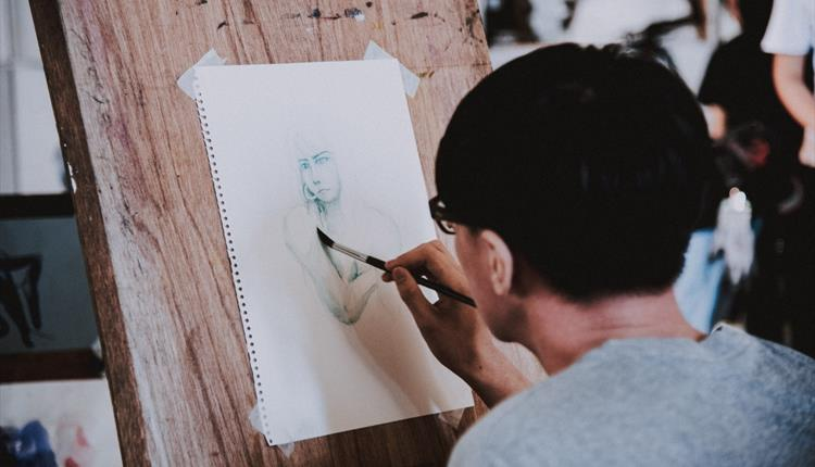 Life drawing in a studio