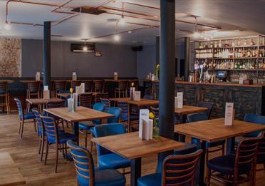 Simple Bar & Restaurant