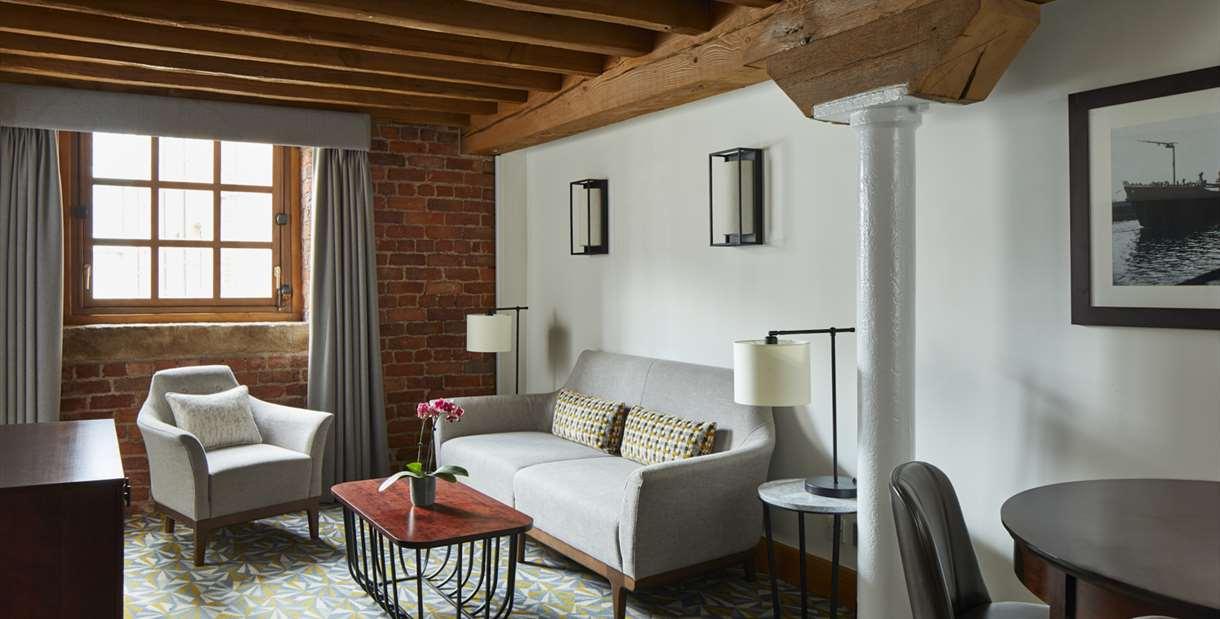 Manchester Marriott Victoria & Albert Hotel Suite Living Room