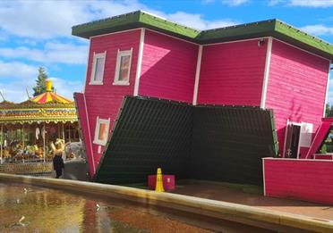 Upside Down House – Trafford Centre